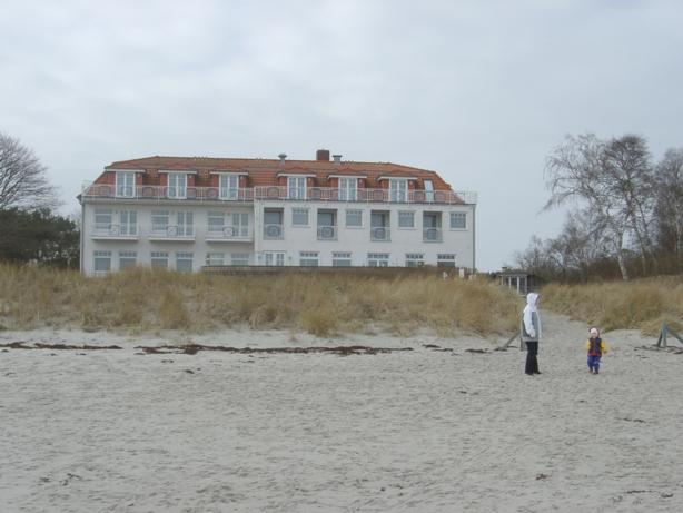 Strandhotel Dünenhaus, Ringstr. 5, D-18556 Breege, OT Juliusruh