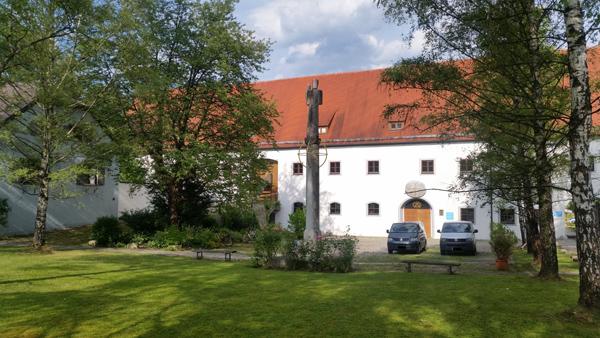 Kirche Mariä Himmelfahrt, Vorplatz,D-86911 Dießen