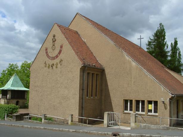 Ev.-luth. Kirche, Albert-Hensel-Str., D-01129 Dresden
