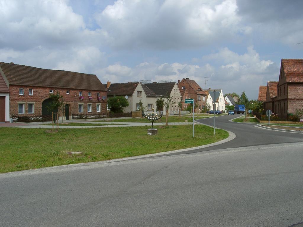 "Kreuzung ""Zur Friedenseiche/Zum Rodelberg"", D-02979 Elsterheide OT Seidewinkel"