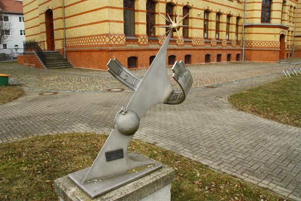 Schule, Salzmannstr. 9-15, D-39112 Magdeburg