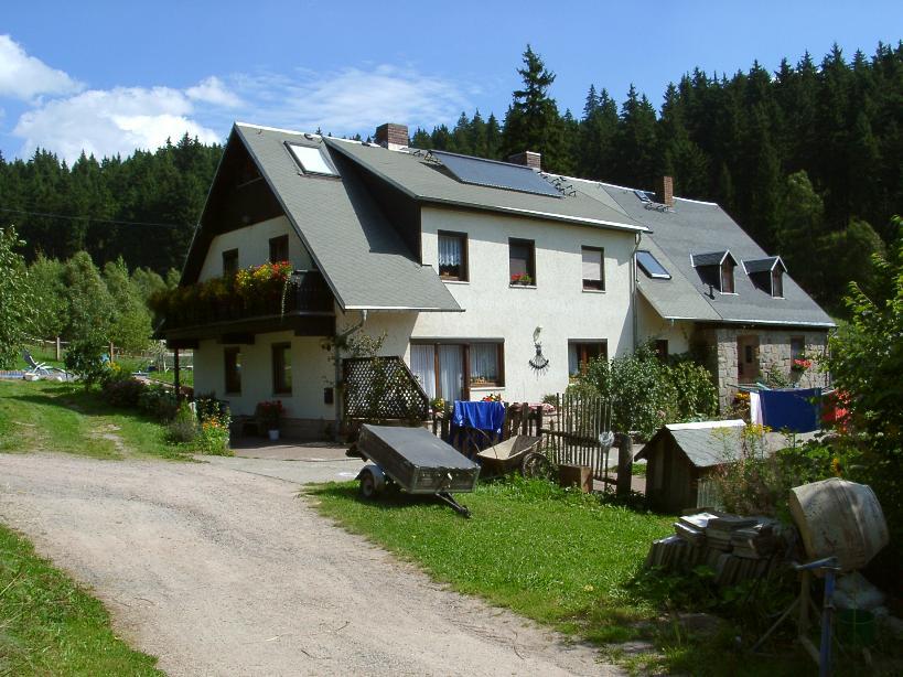Reiterhotel Fohlenhof, Dorfstr. 7, D-08318 Neidhardtsthal