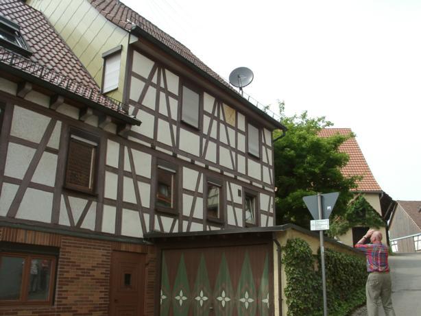 Oberweissacher Str., D-71554 Weissach OT Wattenweiler